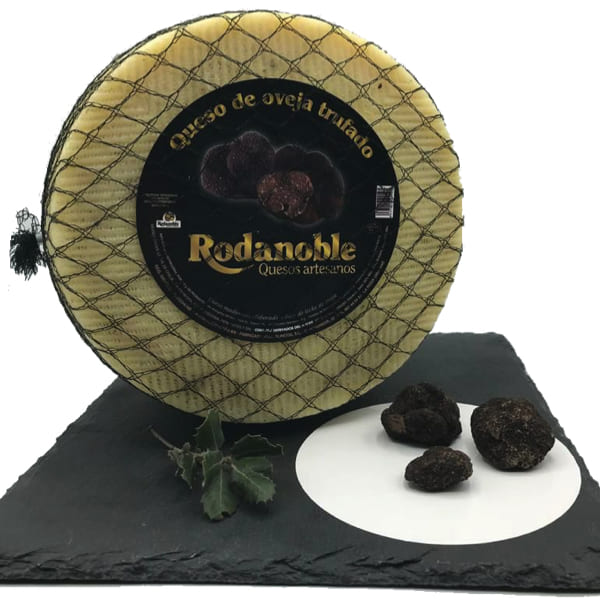 queso elaborado con trufa negra